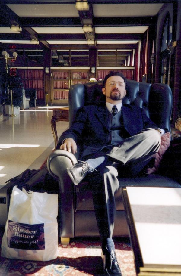 Виктор в Отеле в Будапеште в апреле 2000 года в ожидании отъезда в Москву